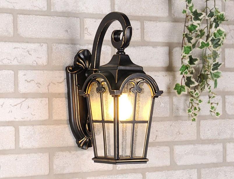 Классический уличный светильник