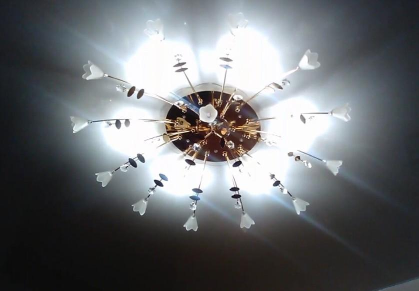 люстра со светодиодными лампочками